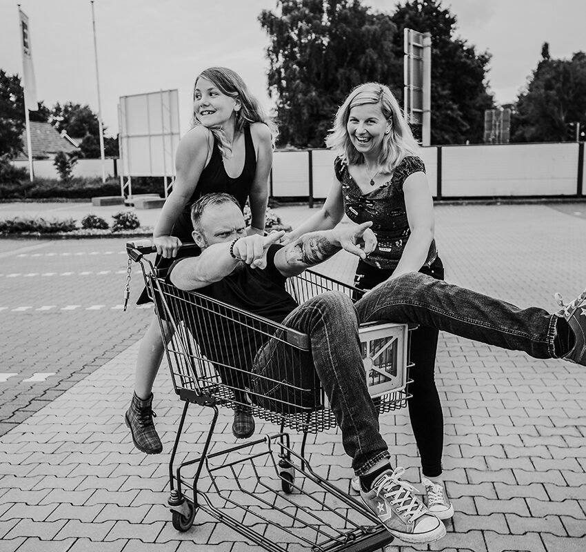 Familienshooting am Supermarkt